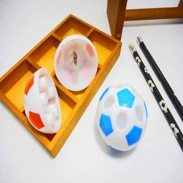 【アイテムキューブ】事務・文具・ビジネス用品 > 文具 > その他 | サッカーボール型鉛筆けずり