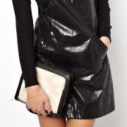 【ASOS】 Fur Grab Clutch Bag