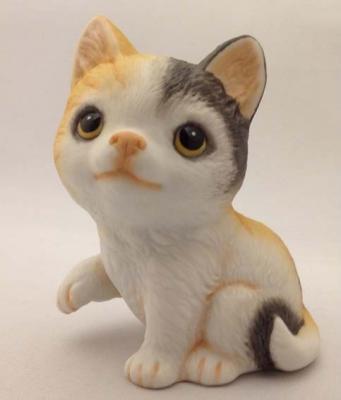 猫の置物 ミケ猫  ネコ キャット 人形 ガーデンオーナメント