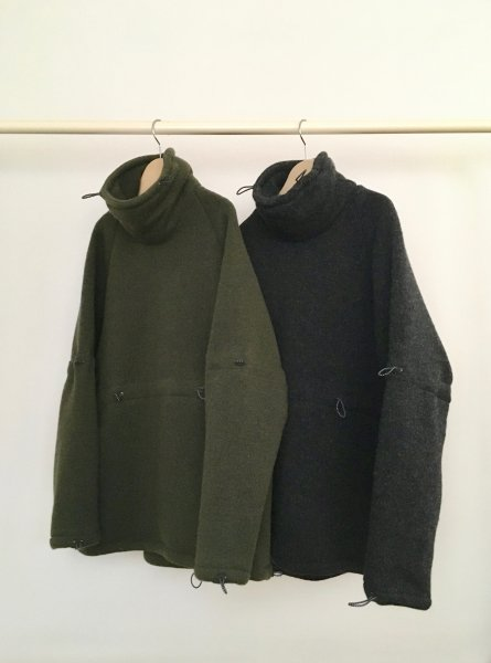 RICE NINE TEN (ライスナインテン) ADJUSTMENT HIGH NECK WOOL JERSEY KNIT