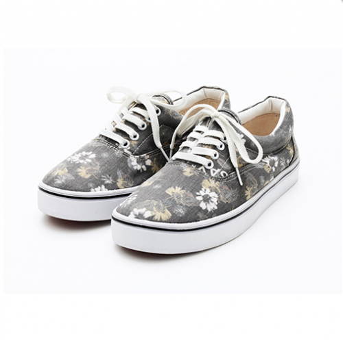 <img class='new_mark_img1' src='//img.shop-pro.jp/img/new/icons38.gif' style='border:none;display:inline;margin:0px;padding:0px;width:auto;' />SAY/セイ  SNEAKER'FLORAL'