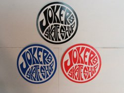 <img class='new_mark_img1' src='//img.shop-pro.jp/img/new/icons14.gif' style='border:none;display:inline;margin:0px;padding:0px;width:auto;' />JOKER'S SKATE SHOP(ジョーカーズスケートショップ)Logo Sticker #7