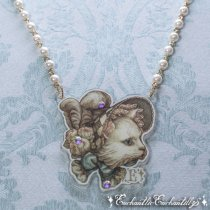 Bonnet Cat Necklace