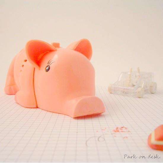 Pig Crumbsweeper / デスクトップミニクリーナー ブタ