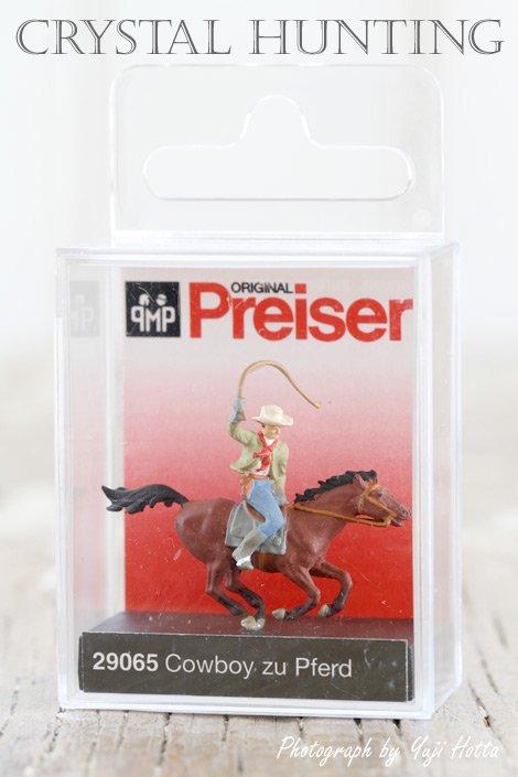 【ミニチュア人形:馬に乗ったカウボーイ】Preiser(プライザー)社製 No.29065(1/87)