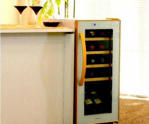 【送料無料&お得なワイン12本付き】deviceSTYLE(デバイスタイル) 15本収納用ワインセラー CF-C15W-W(珍しい斜め置き対応!コンプレッサー式)