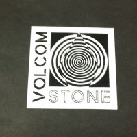 VOLCOM ボルコム【STONE STICKER】白/黒 6cm ステッカー 新品正規(定)