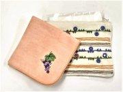 ミラー刺繍ティッシュ入れミニポーチ地層(白)の商品画像