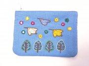 ミラー刺繍ティッシュ入れミニポーチちどり(水色)の商品画像