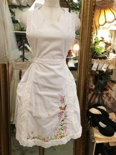 ヨーロッパヴィンテージ すずめ刺繍ロマンティックレースホワイトエプロン