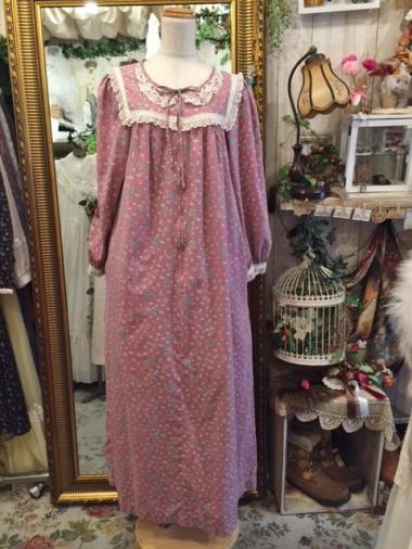 アメリカヴィンテージ スクエアヨーク小花柄長袖ワンピース くすみピンク