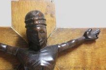 ヘンバ族 黒いキリストの十字架像