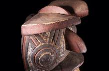 グルンシ族(ヌヌマ) 儀式でダンスするマスク