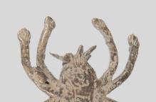 バウレ族 手足を伸ばしたブロンズ製のクモ