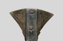 トゥアレグ族 装飾のある髪飾り(台付)