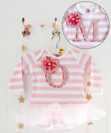 Milk Two Bunnies イニシャル「M」チュチュ付き長袖ロンパース Personalised Letter Tutu Bodysuit