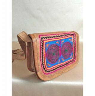 エスニックラクダ革手刺繍バッグ☆小ぶりなスクエア型5 1点もの