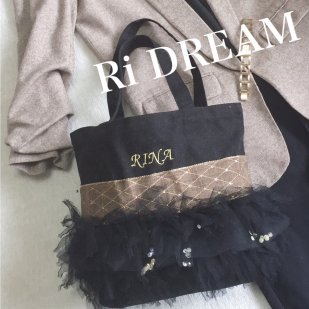 <img class='new_mark_img1' src='https://img.shop-pro.jp/img/new/icons32.gif' style='border:none;display:inline;margin:0px;padding:0px;width:auto;' />PONPON BAG   black