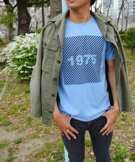 <img class='new_mark_img1' src='//img.shop-pro.jp/img/new/icons20.gif' style='border:none;display:inline;margin:0px;padding:0px;width:auto;' />SLANT STRIPE Tee // 1975tokyo