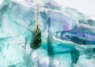 「世界にひとつの宝物になる」モルダバイト原石ペンダント