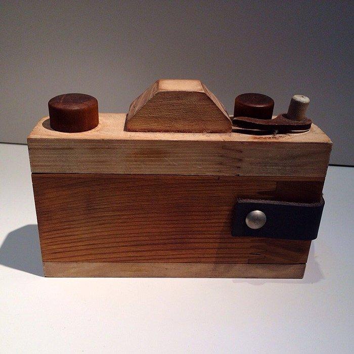 一点もの木製カメラオブジェ