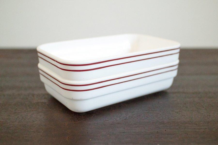 ミルクガラスの角皿(2個セット)