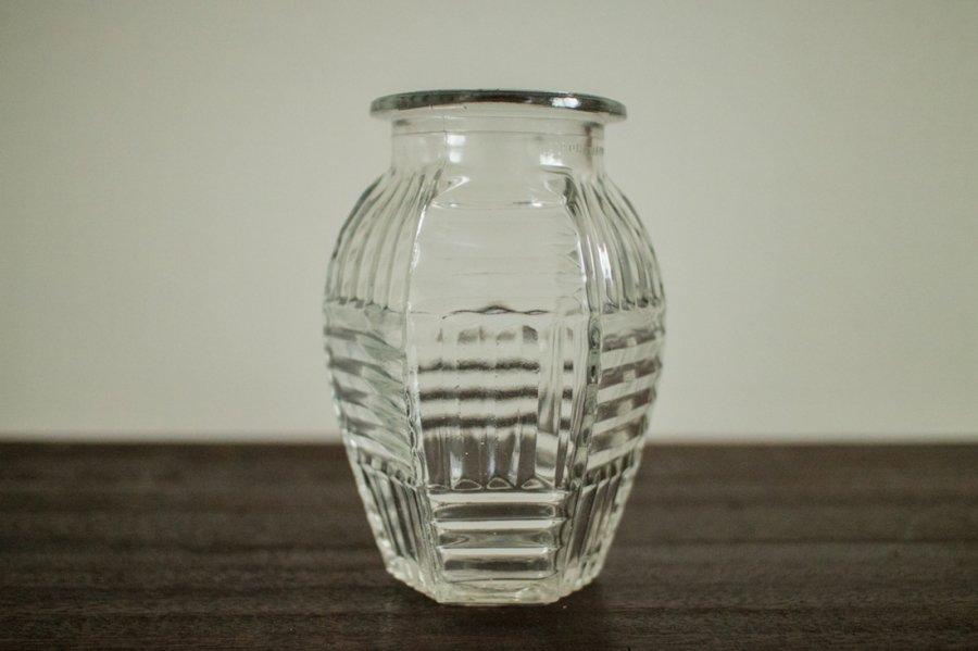 ガラス製の花瓶