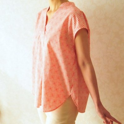 型紙キット「Let's sewing Vネックタックブラウス」フリーサイズ型紙と布150cmと付属品(芯地)