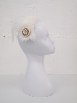 Fur bonnet -swan-