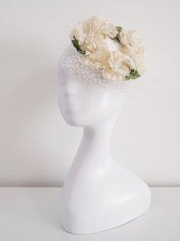 白いお花のトーク帽