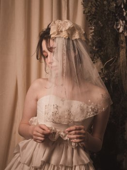 Antique lace short veil 2