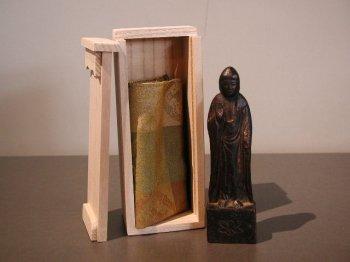 AT266 木彫釈迦如来立像