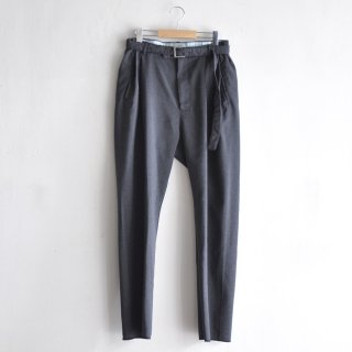 BELTED TUCK PANTS [GRAY]