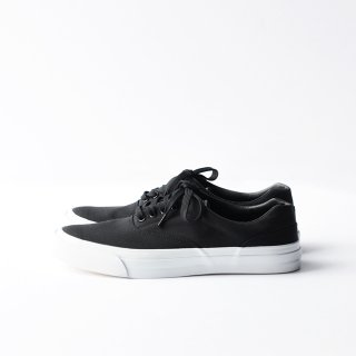 SOLID KICKS NO.2 [BLACK/WHITE]