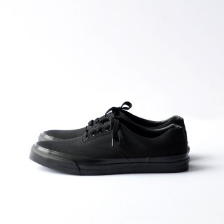 SOLID KICKS NO.2 [BLACK/BLACK]