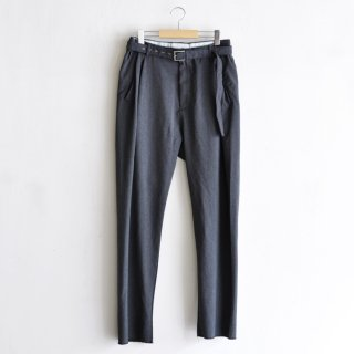 BELTED TUCK PANTS [CHARCOAL GRAY]
