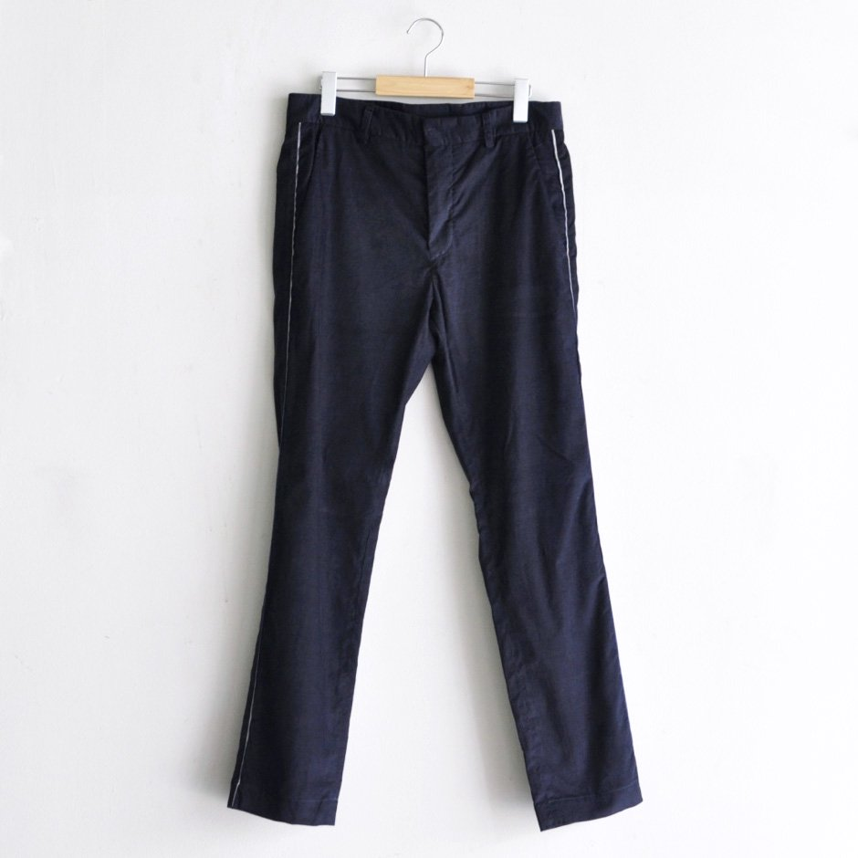 PINWALE TAPERED PANTS [DARK BLUE]