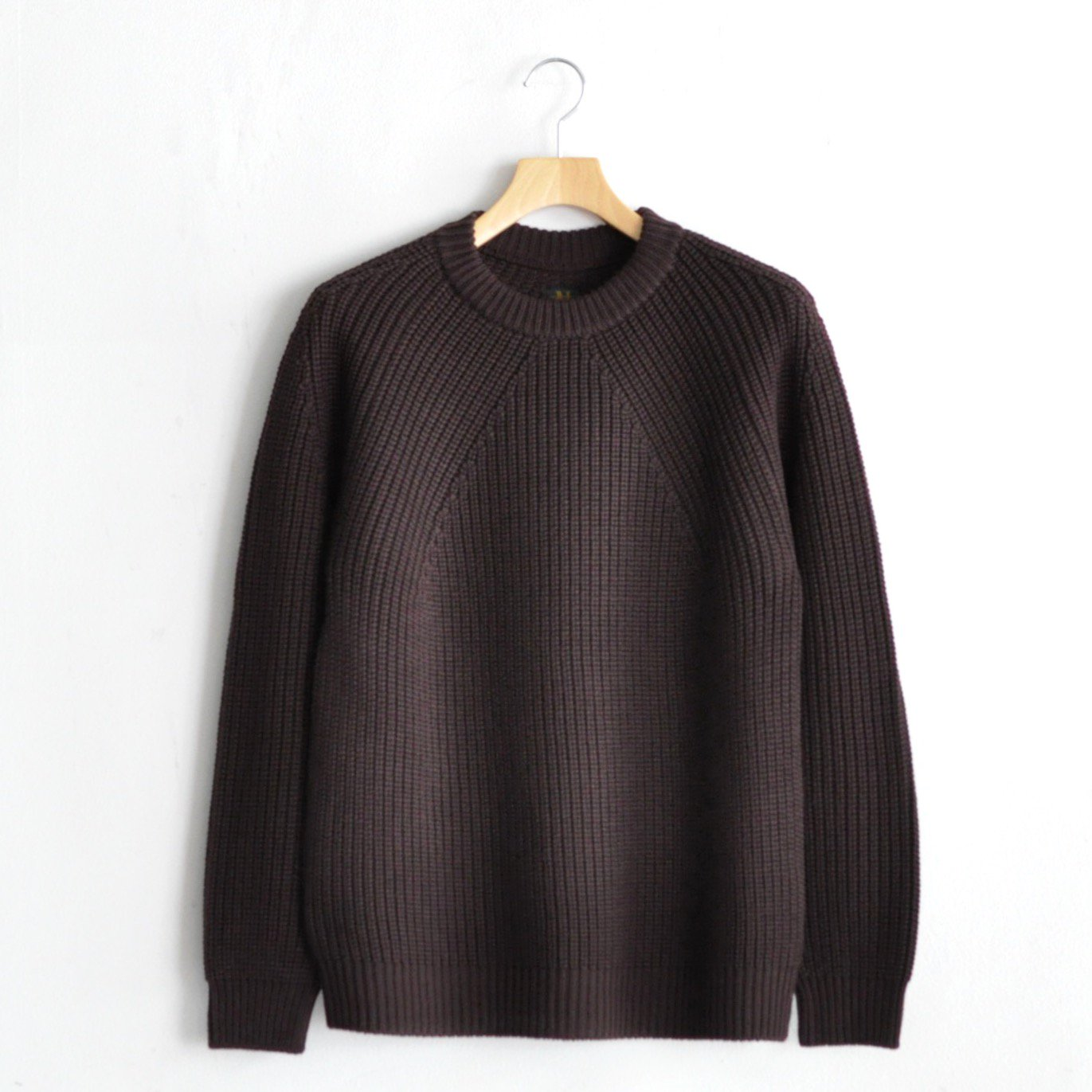 SIGNATURE CREW NECK [BROWN]