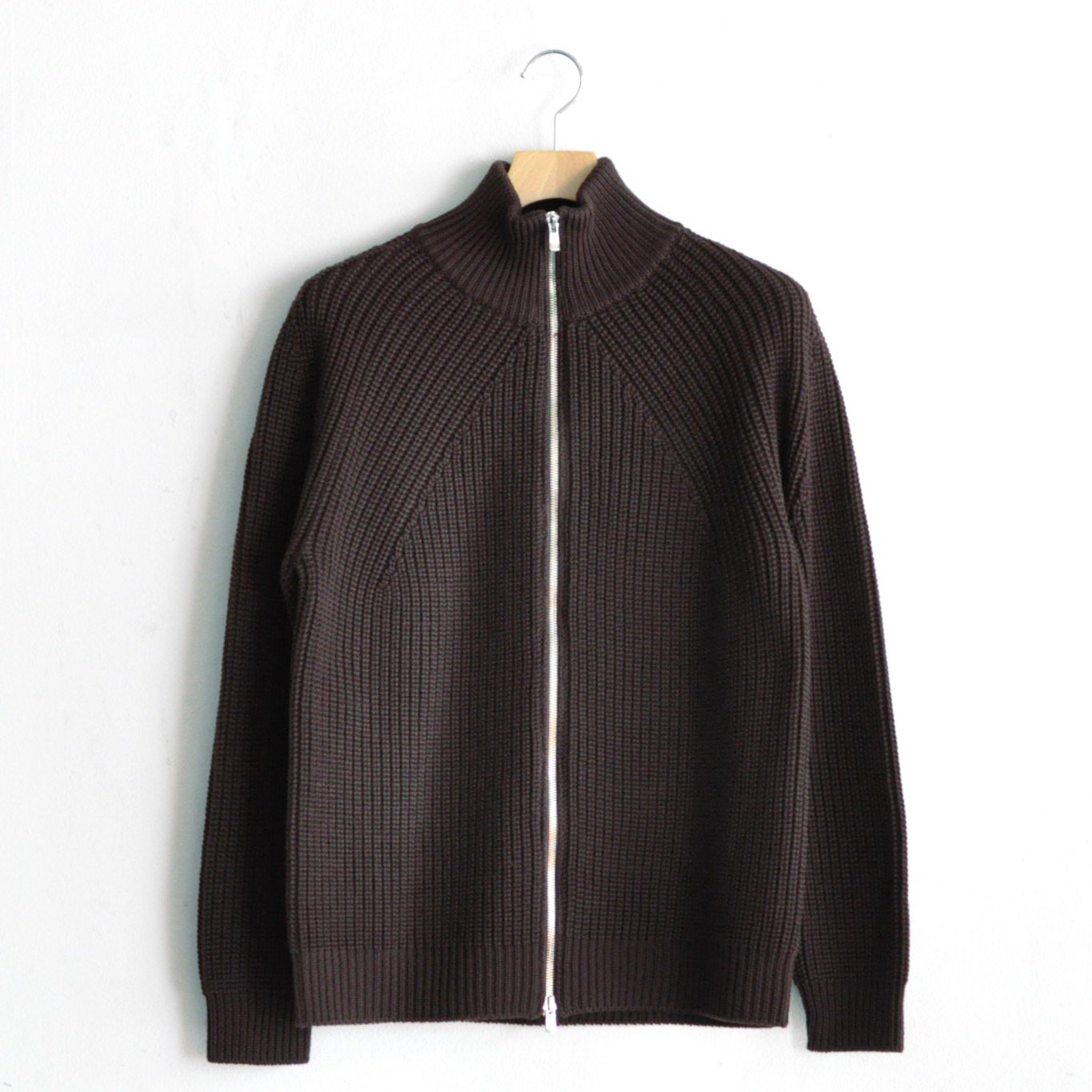 SIGNATURE ZIPPER CARDIGAN [BROWN]