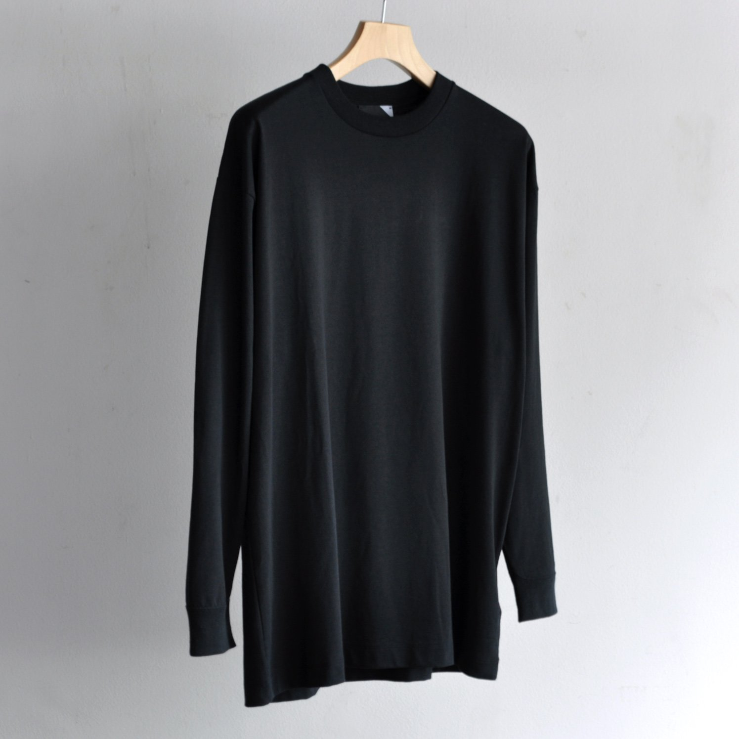 SUVIN AIR SPINNING OVERSIZED L/S T-SHIRT [BLACK]