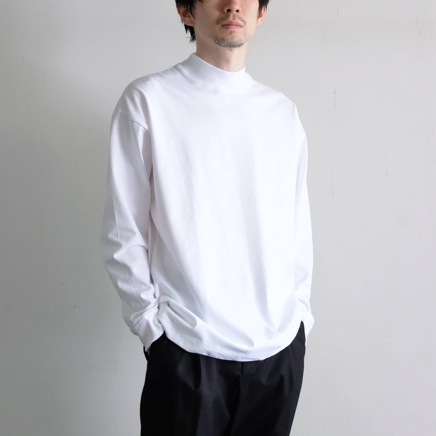 SUVIN AIR SPINNING MOCK-NECK PULLOVER [WHITE]