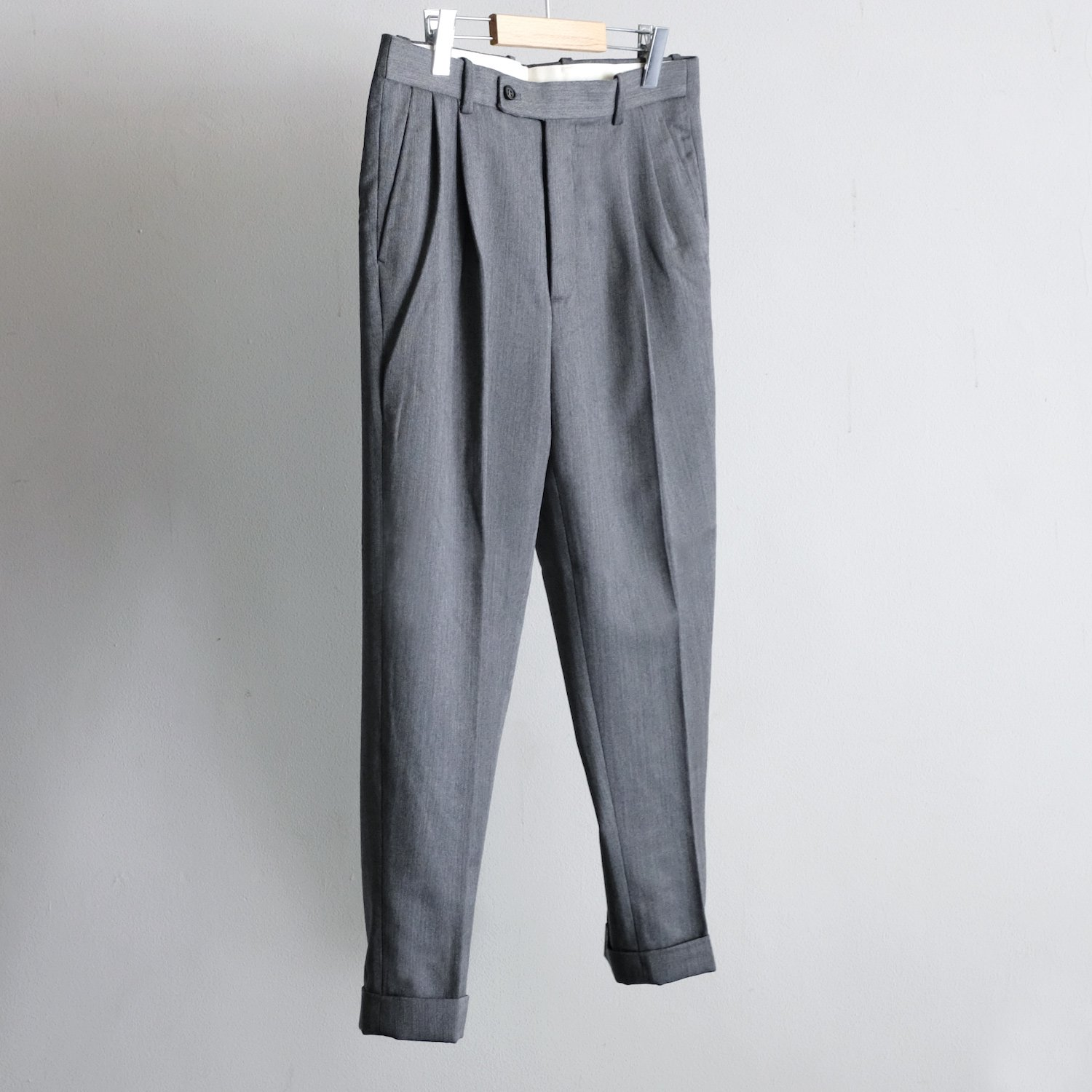WOOL 2TUCK TAPERED TROUSERS [GRAY]