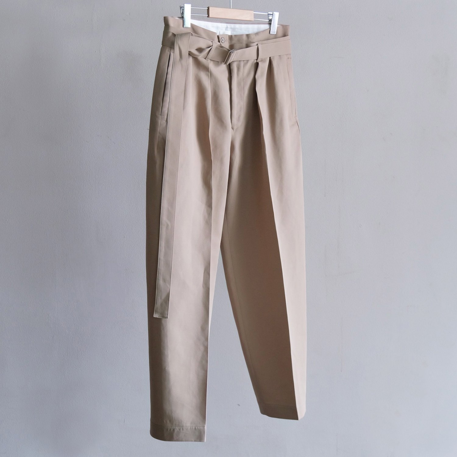 BELTED BUGGY PANTS [MASTIC]