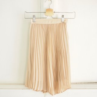 <img class='new_mark_img1' src='//img.shop-pro.jp/img/new/icons12.gif' style='border:none;display:inline;margin:0px;padding:0px;width:auto;' />Ava Pleated Maxi Skirt