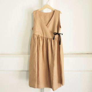 <img class='new_mark_img1' src='//img.shop-pro.jp/img/new/icons12.gif' style='border:none;display:inline;margin:0px;padding:0px;width:auto;' />Polina's Apron Dress