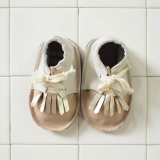 <img class='new_mark_img1' src='//img.shop-pro.jp/img/new/icons20.gif' style='border:none;display:inline;margin:0px;padding:0px;width:auto;' />TERO tassel  shoes - powder