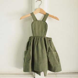 <img class='new_mark_img1' src='//img.shop-pro.jp/img/new/icons12.gif' style='border:none;display:inline;margin:0px;padding:0px;width:auto;' />MÄRTA APRON DRESS - DRIED HERB