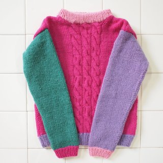 <img class='new_mark_img1' src='//img.shop-pro.jp/img/new/icons12.gif' style='border:none;display:inline;margin:0px;padding:0px;width:auto;' />Colorblock Cable Pullover - Rose Teal