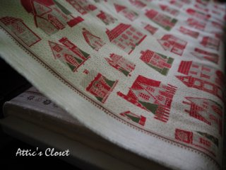 FrenchGeneralクリスマス生地 PETITES MAISONS DE NOEL / PEARL  by Moda Fabrics