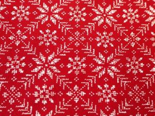 雪の結晶の模様♪ModaFabrics赤色クリスマス生地  EIGHT LEAF ROSE / RED  by Moda Fabrics